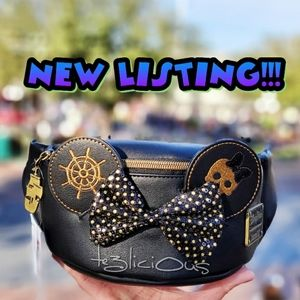 DISNEY MINNIE MAIN ATTRACTION PIRATES FANNY PACK